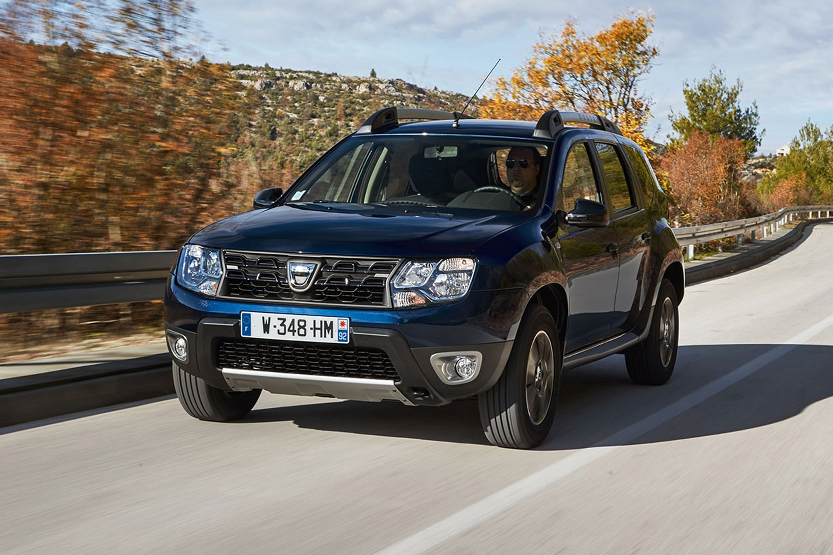 Dacia Duster Prestige dCi 110 EDC (2017) review by CAR ...