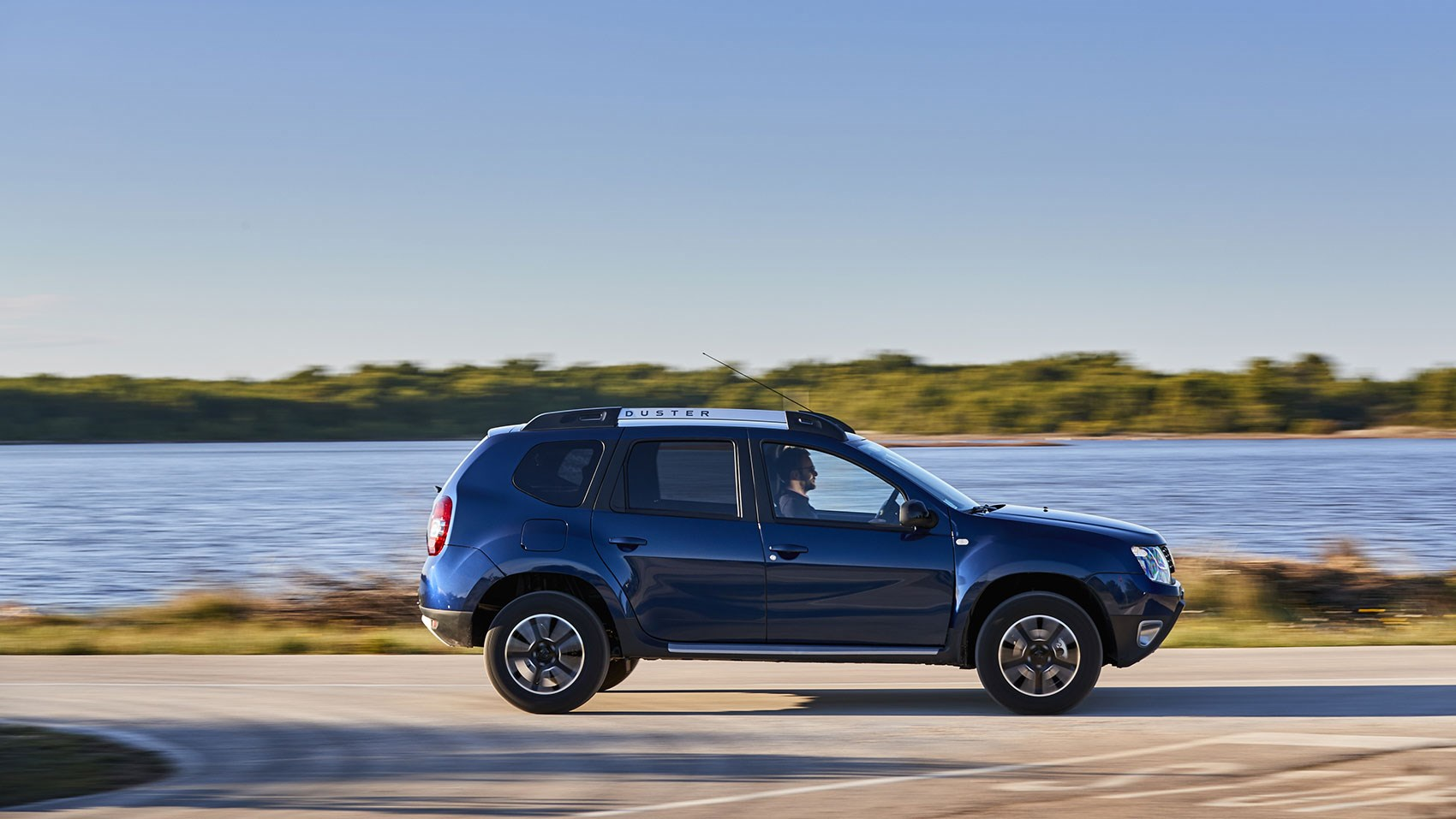 dacia duster prestige dci 110 edc 2017 review by car. Black Bedroom Furniture Sets. Home Design Ideas
