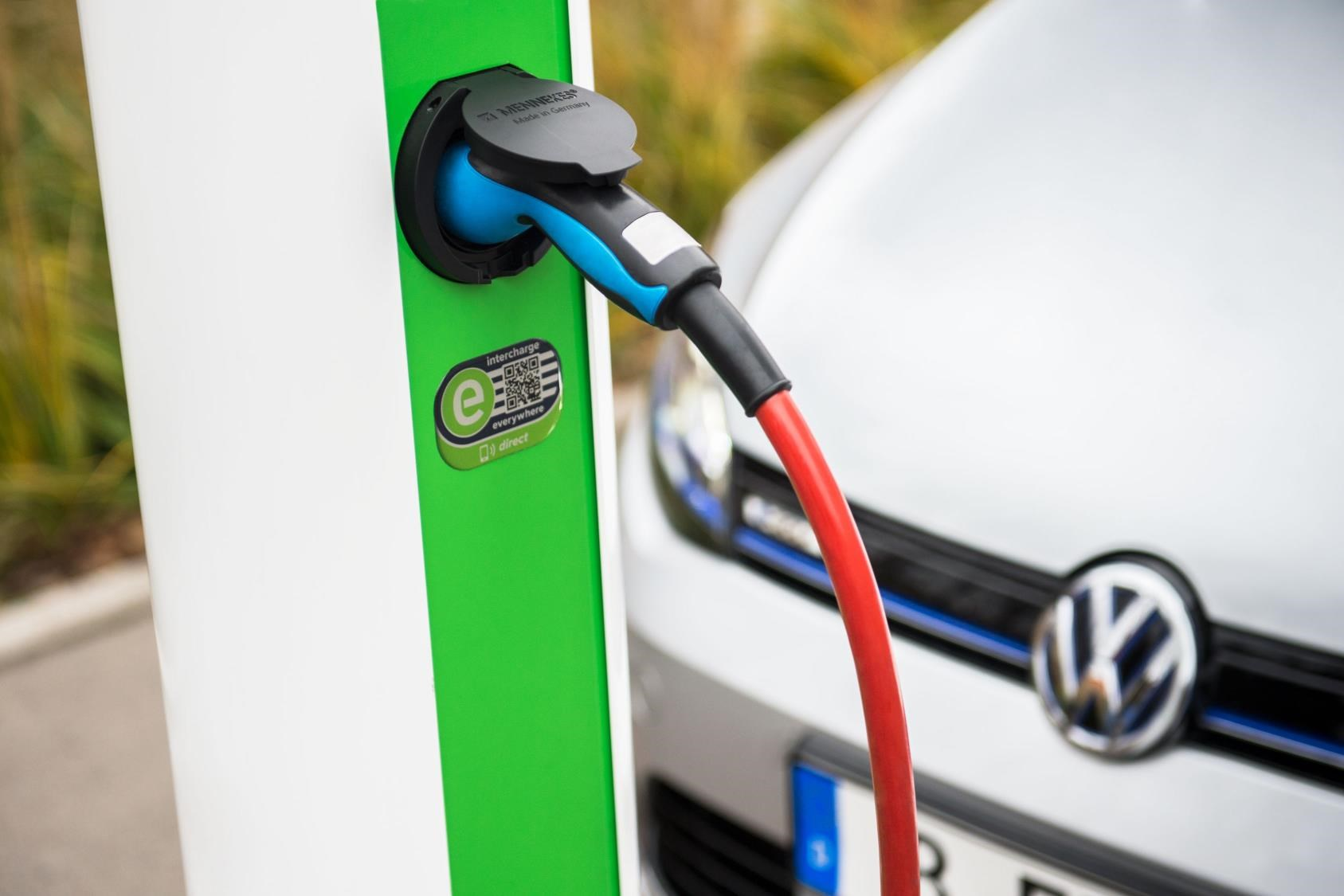 How to solve a problem like charging EVs? Meet the expanding Hubject