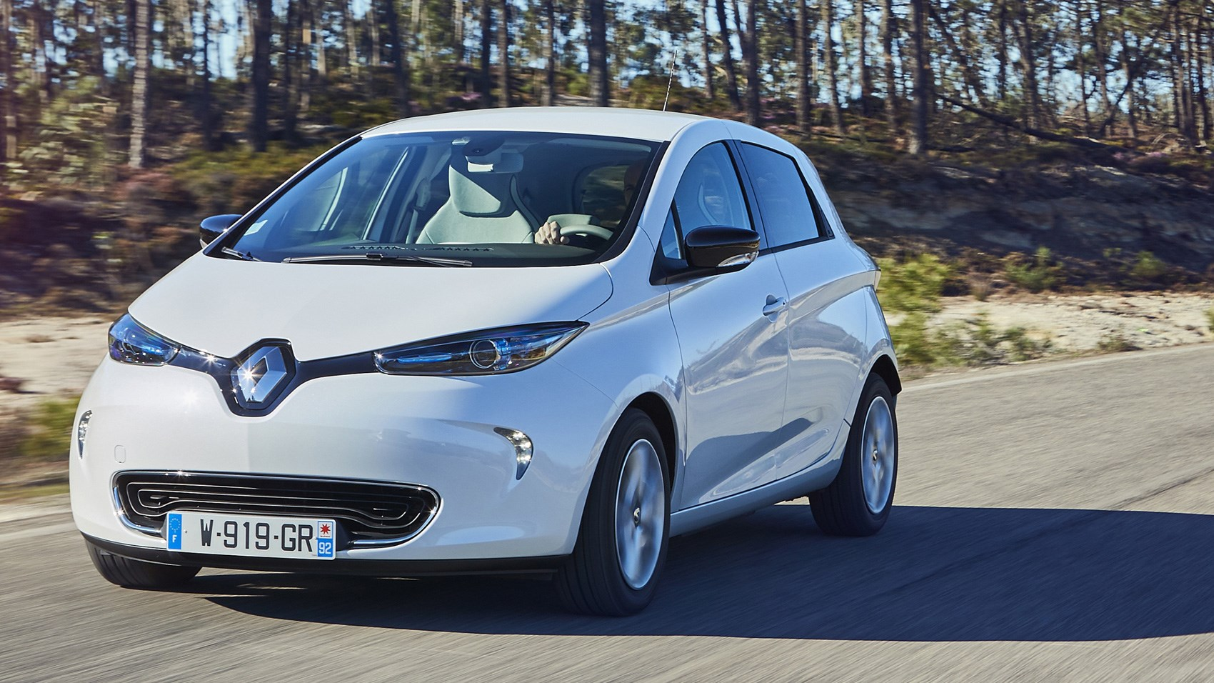 renault zoe signature nav r90 z e 40 2017 review car magazine. Black Bedroom Furniture Sets. Home Design Ideas