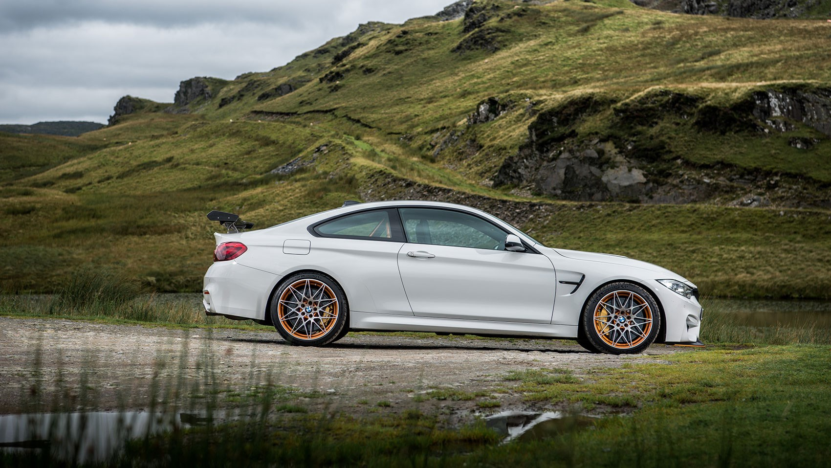 bmw m4 gts 2017 review car magazine. Black Bedroom Furniture Sets. Home Design Ideas