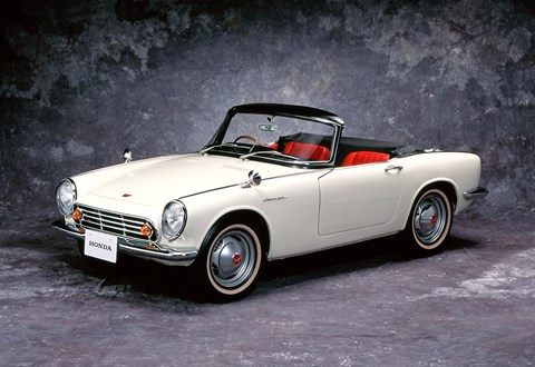 Honda S500 sports car: setting the bloodline