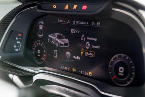 Audi R8 instrument panel