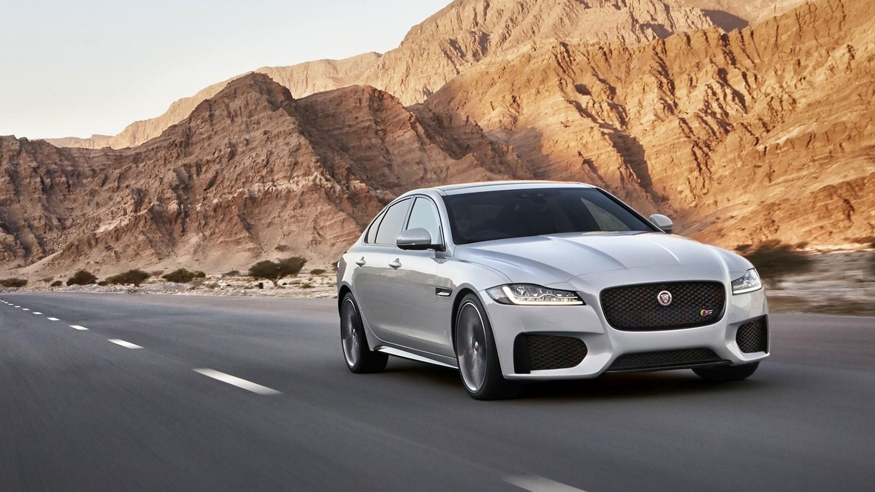 Jaguar XF S 2016 review by CAR Magazine