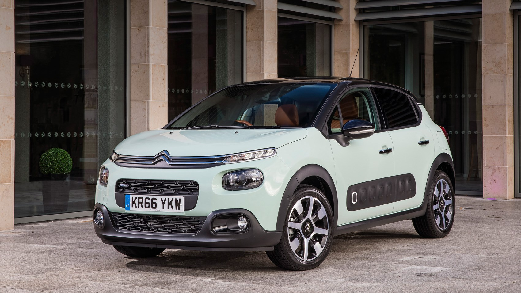 citroen c3 bluehdi 100 s s flair 2017 review car magazine. Black Bedroom Furniture Sets. Home Design Ideas