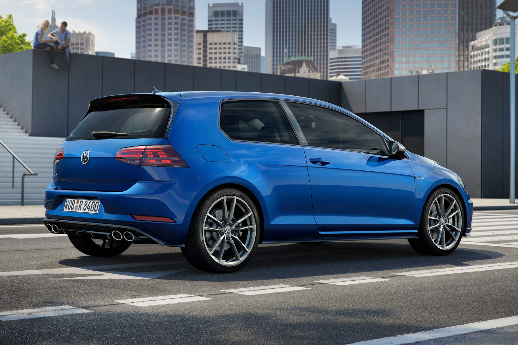 newish vw golf    fast golf   facelift  car magazine