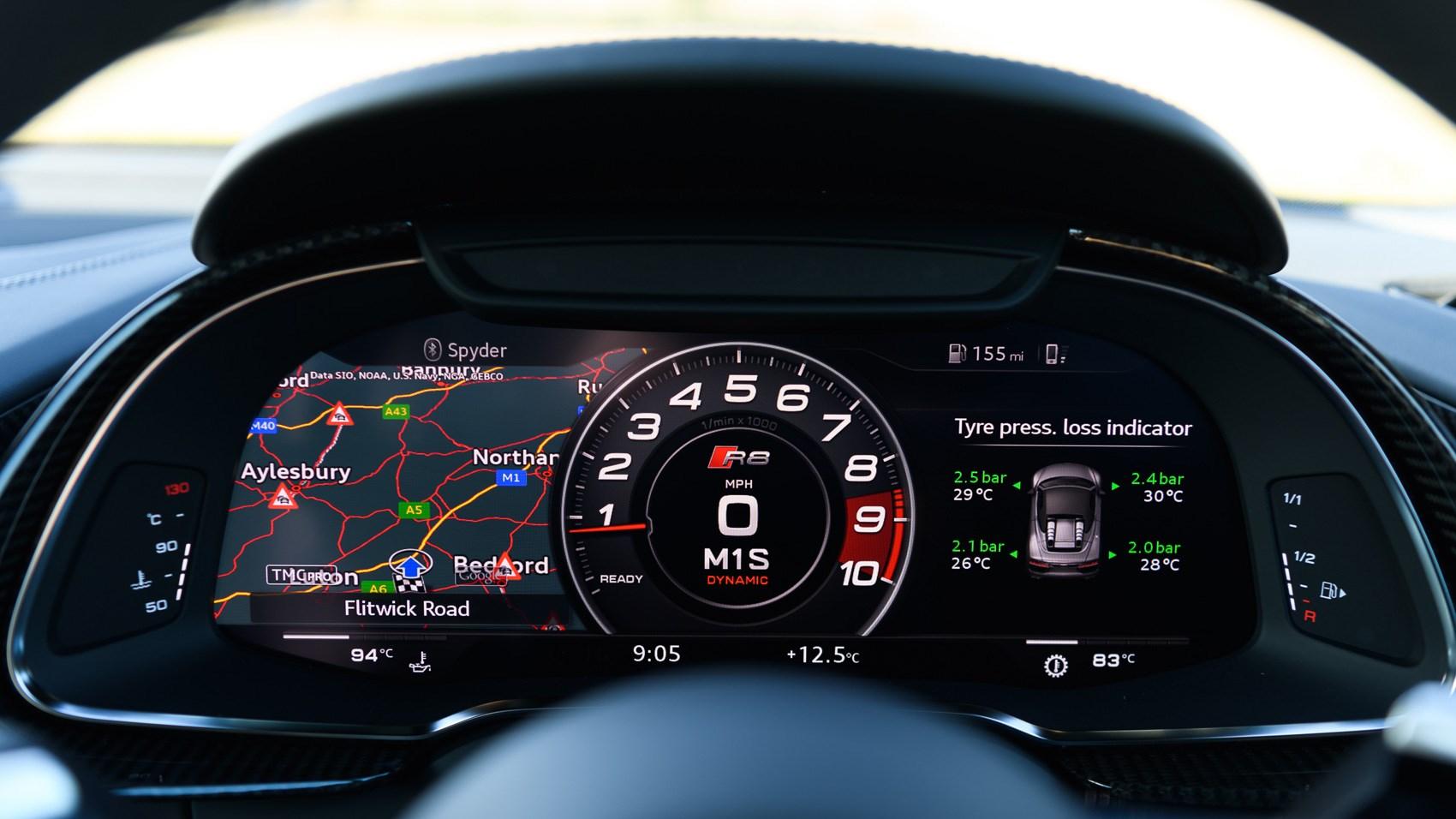 Audi r8 v10 spyder 52 fsi quattro r tronic