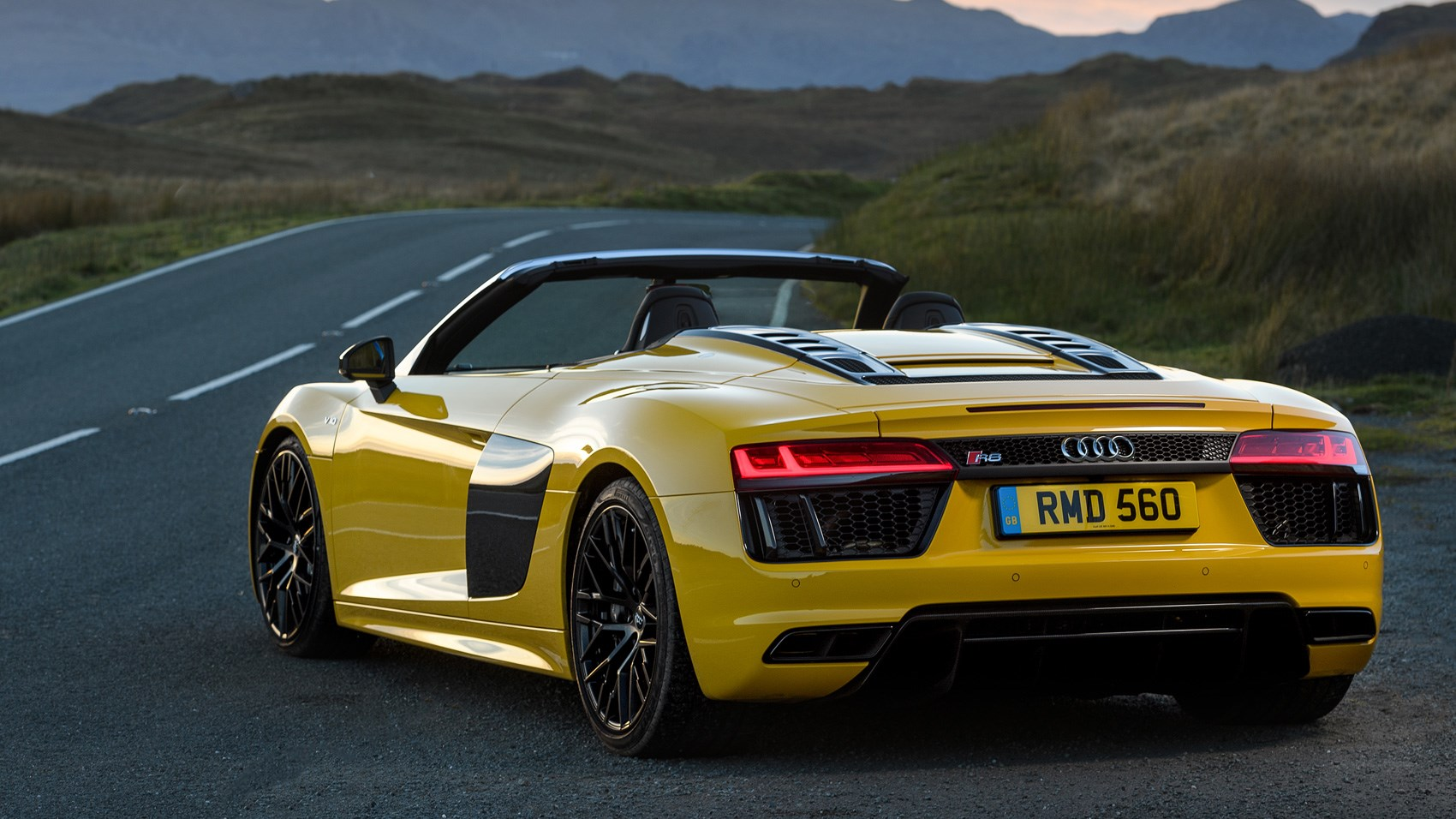 audi r8 v10 spyder 2017 review by car magazine. Black Bedroom Furniture Sets. Home Design Ideas