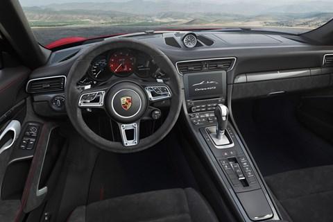 Porsche 991.2 GTS interior