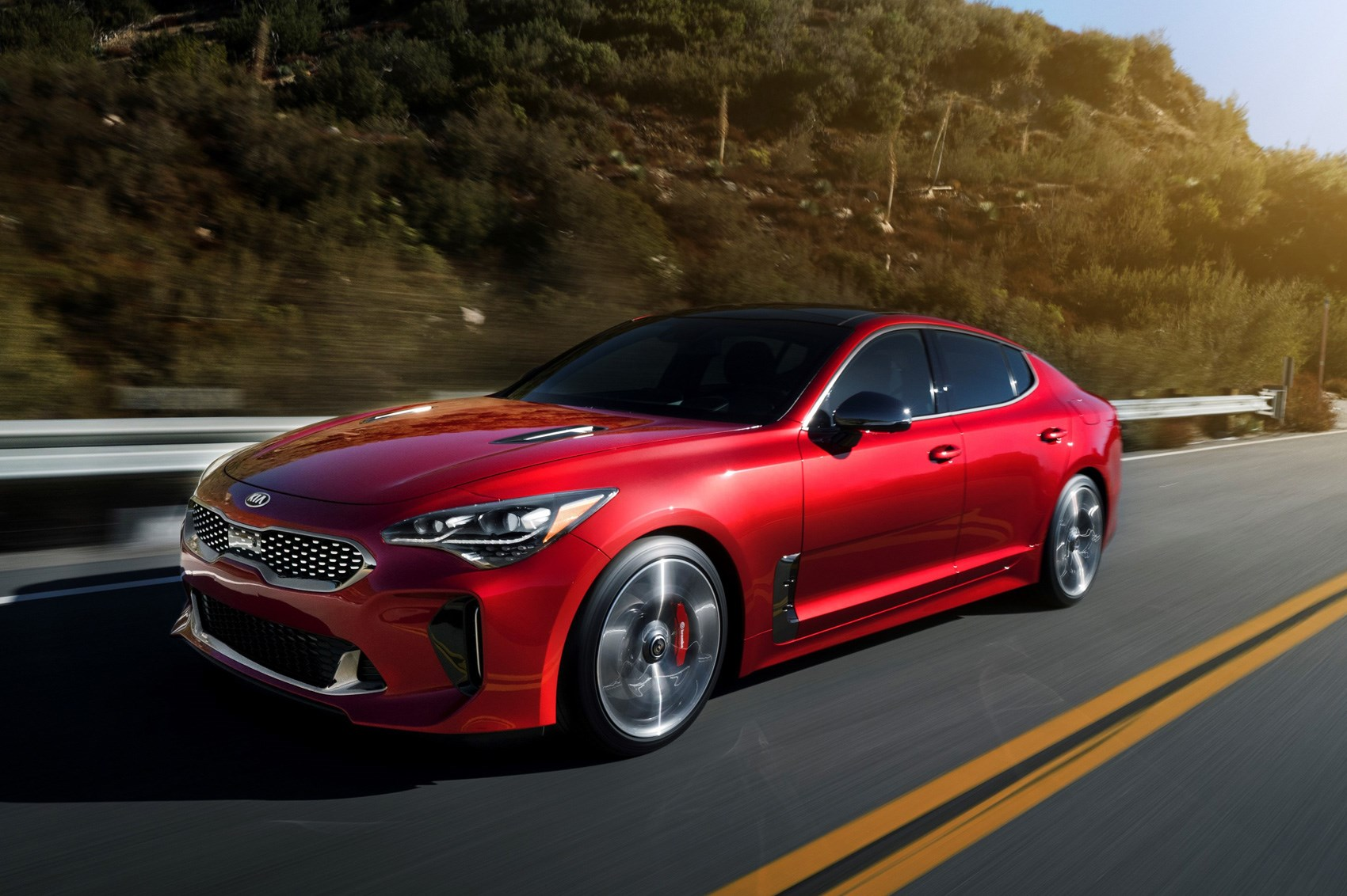 Kia Turns Up The Heat New Stinger Fastback Unveiled In Detroit