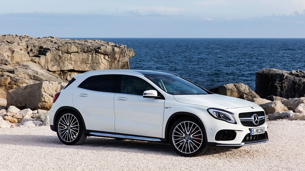 Mercedes Gla 2017 Facelift Merc Gets The Mascara Out