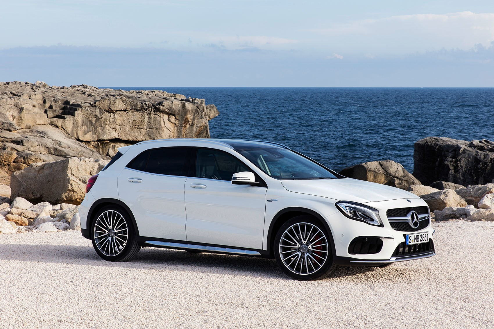 mercedes gla 2017 facelift merc gets the mascara out car magazine. Black Bedroom Furniture Sets. Home Design Ideas