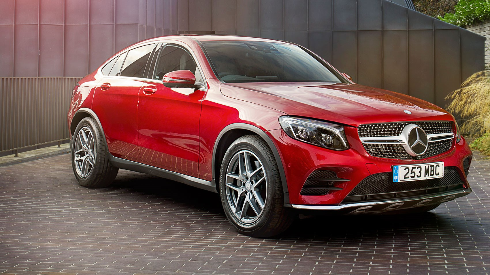 mercedes benz glc250d 4matic amg line coupe 2017 uk review car magazine. Black Bedroom Furniture Sets. Home Design Ideas