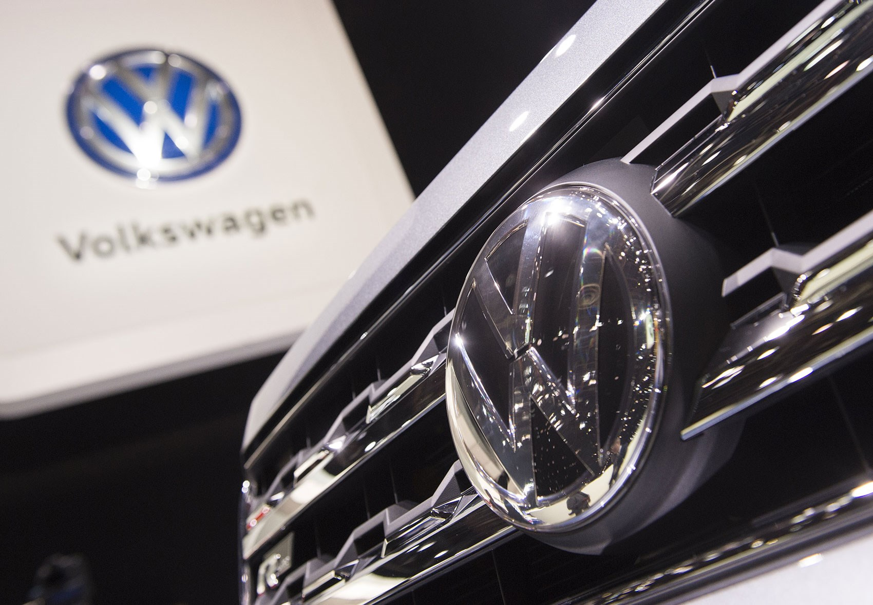 Facing charges, Volkswagen agrees to pay $4.3 billion in emissions cheating scandal