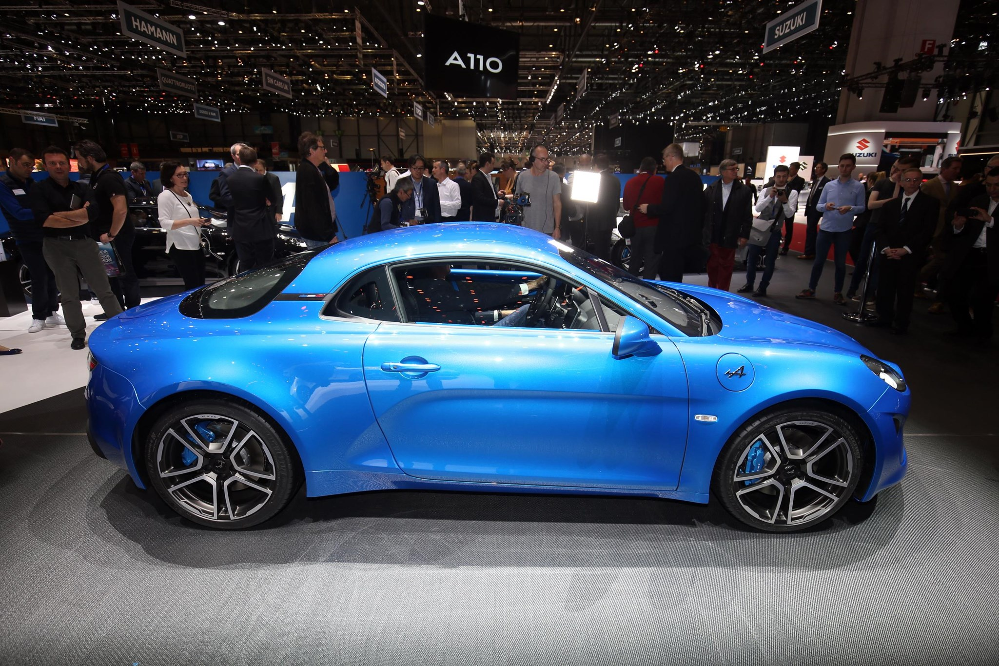 alpine a110 sports car everything you need to know car magazine. Black Bedroom Furniture Sets. Home Design Ideas