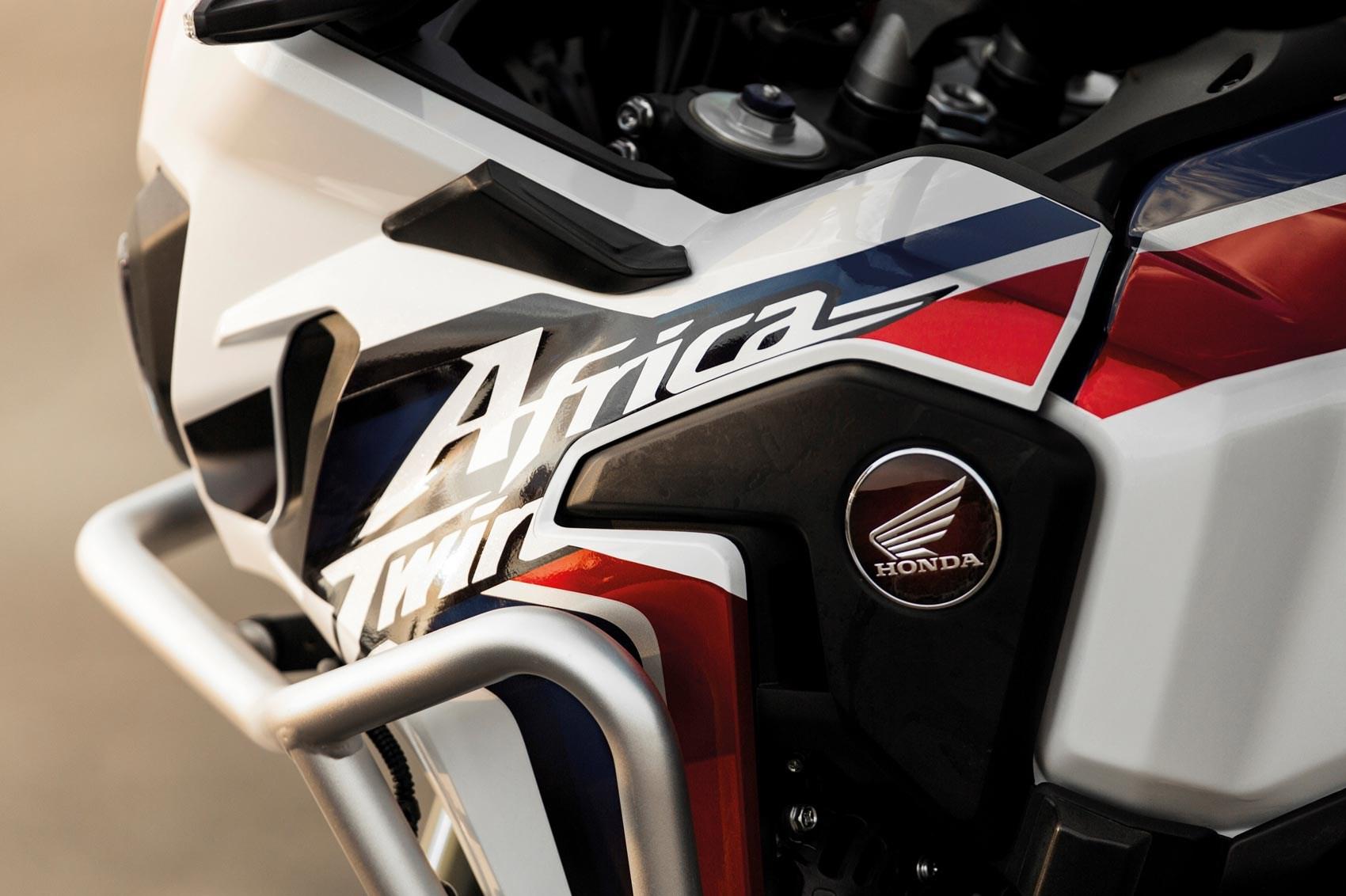 Handlebars Honda Africa Twin 2017 motorcycle review