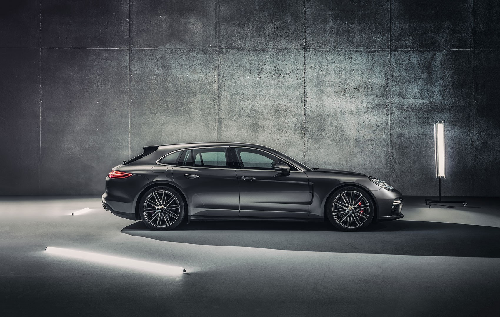 porsche panamera sport turismo at the geneva motor show by. Black Bedroom Furniture Sets. Home Design Ideas