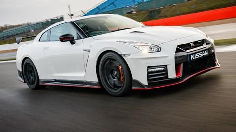 Nissan Gtr 2017 >> Nissan Gt R Nismo 2017 Review Car Magazine