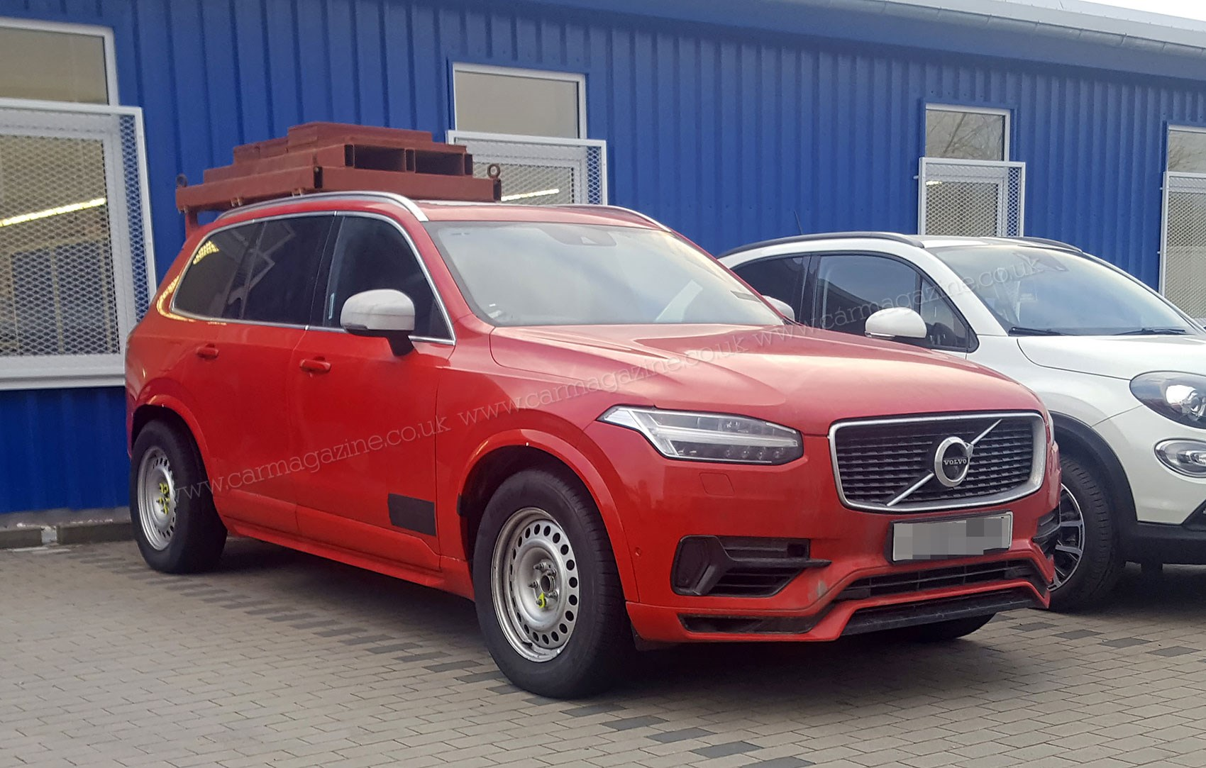 volvo xc90 lwb test hack a super sized suv is coming by. Black Bedroom Furniture Sets. Home Design Ideas