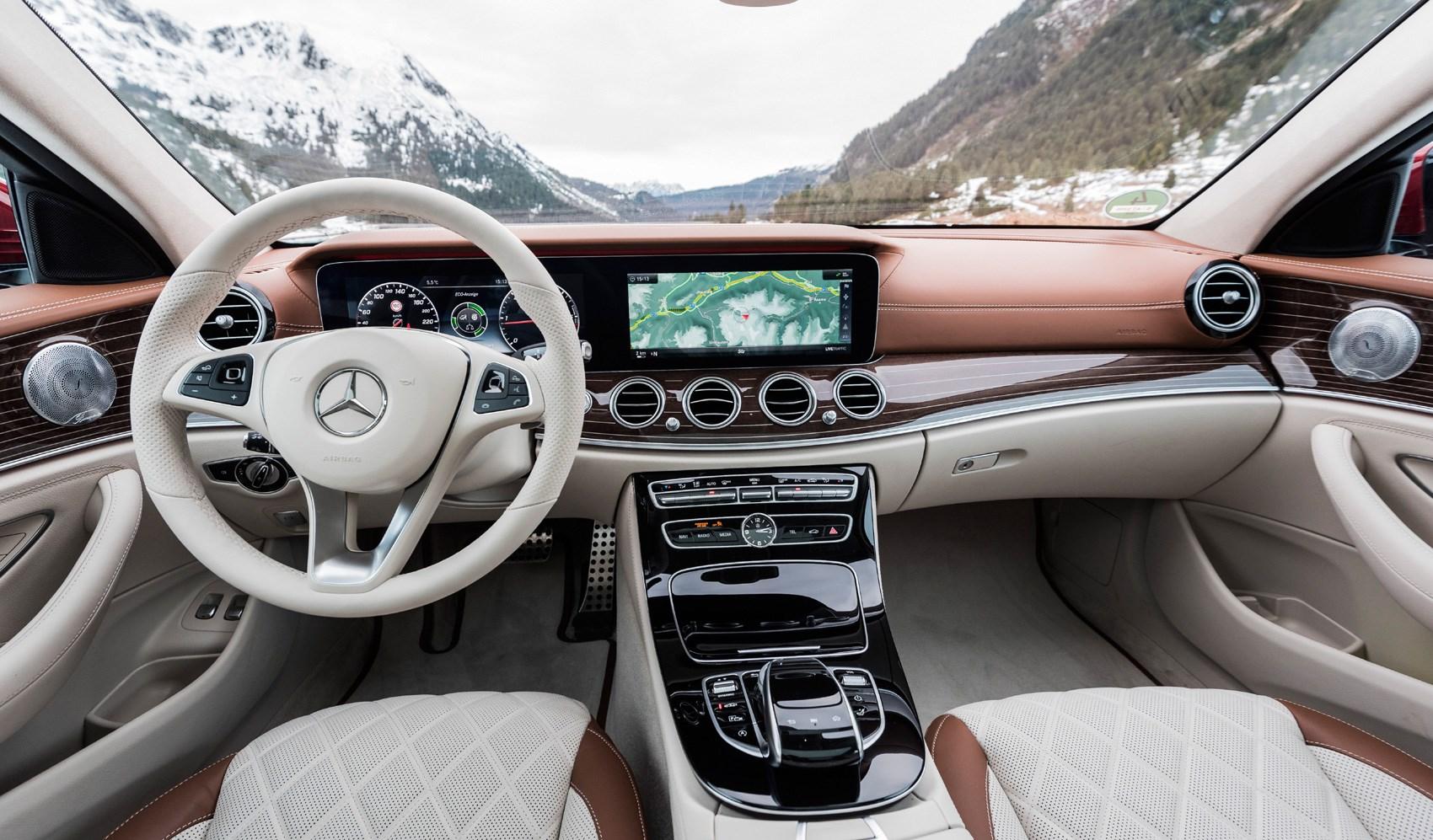 Mercedes E-class All-Terrain interior