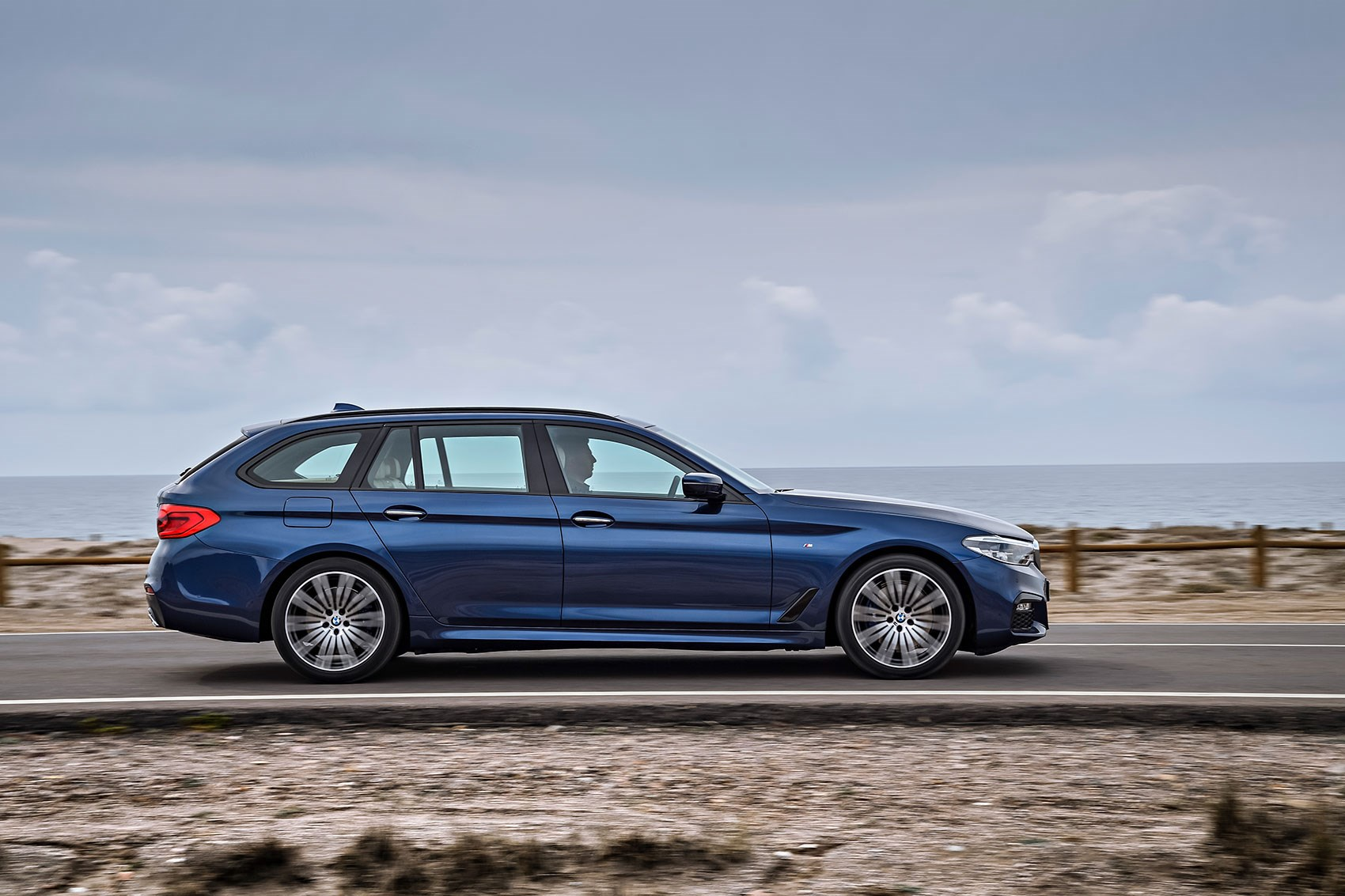 new bmw 5 series touring the fifth estate is here by car magazine. Black Bedroom Furniture Sets. Home Design Ideas