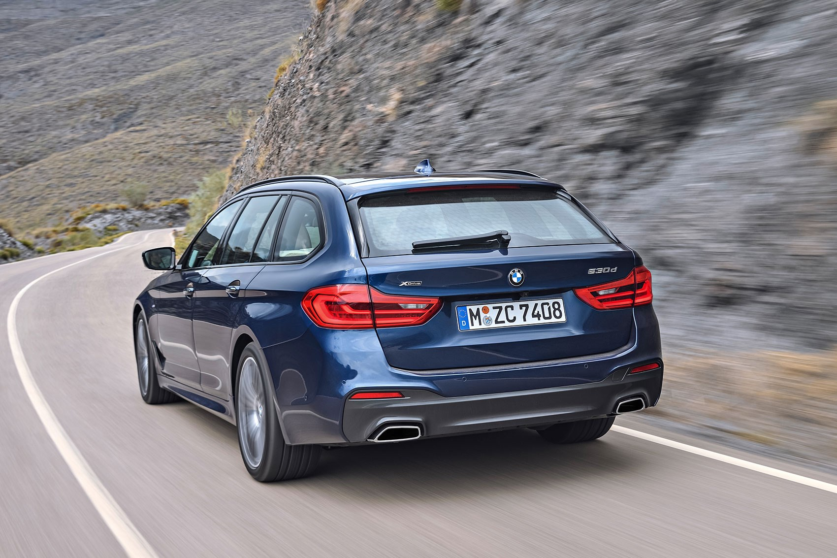 new bmw 5 series touring the fifth estate is here car. Black Bedroom Furniture Sets. Home Design Ideas