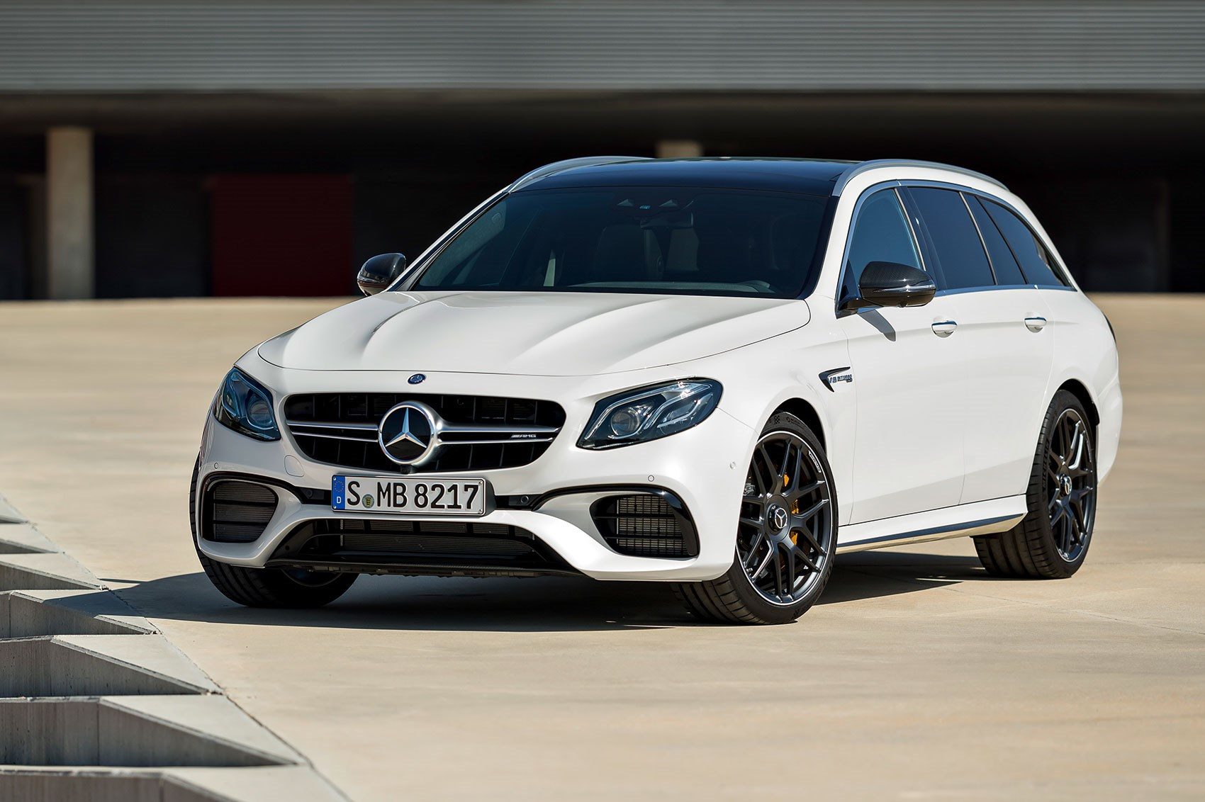 mercedes amg e63 4matic estate prices revealed for 2017 s fastest wagon by car magazine. Black Bedroom Furniture Sets. Home Design Ideas