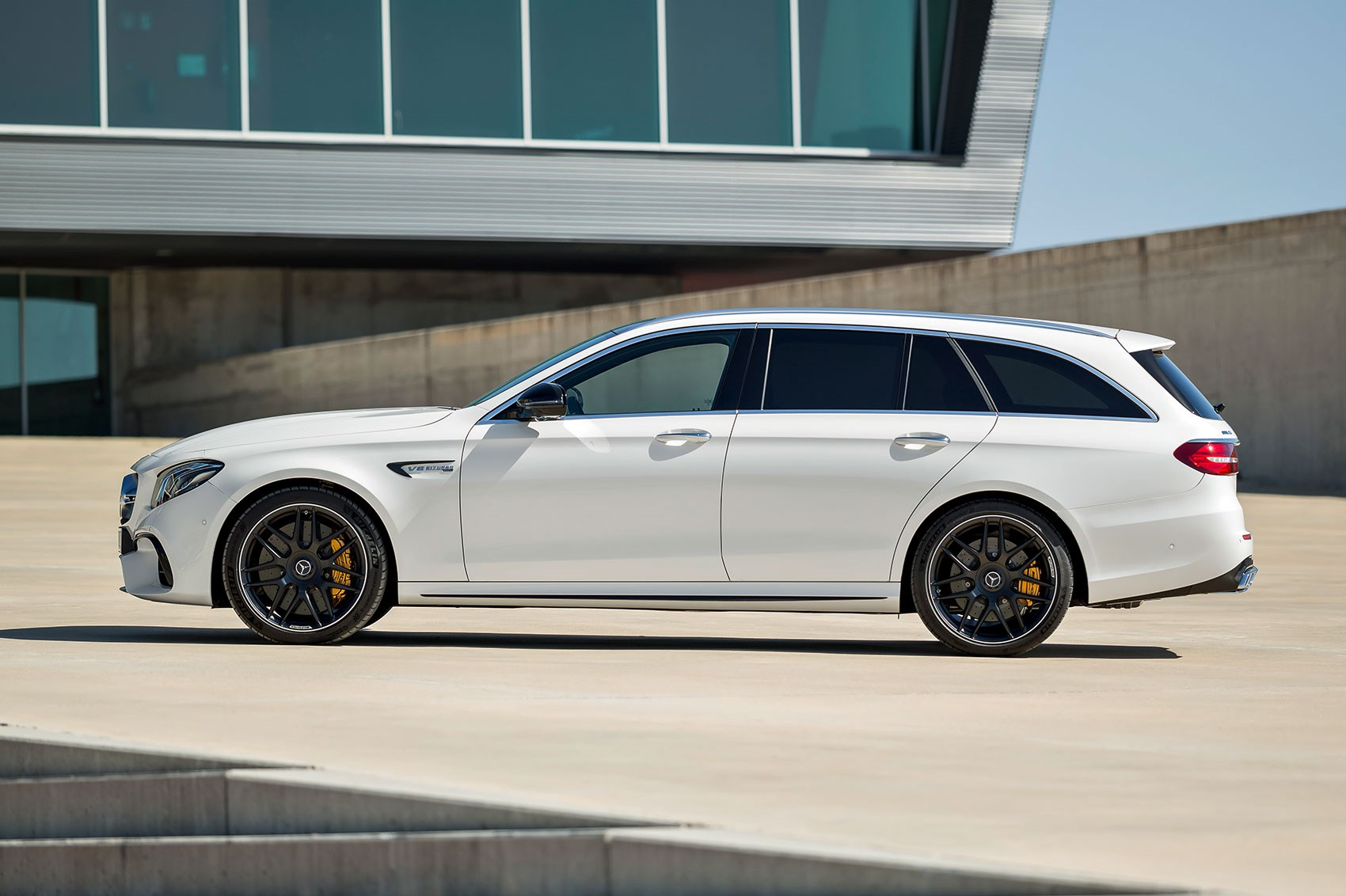 Mercedes amg e63 4matic estate prices revealed for 2017 for Mercedes benz station wagon 2017