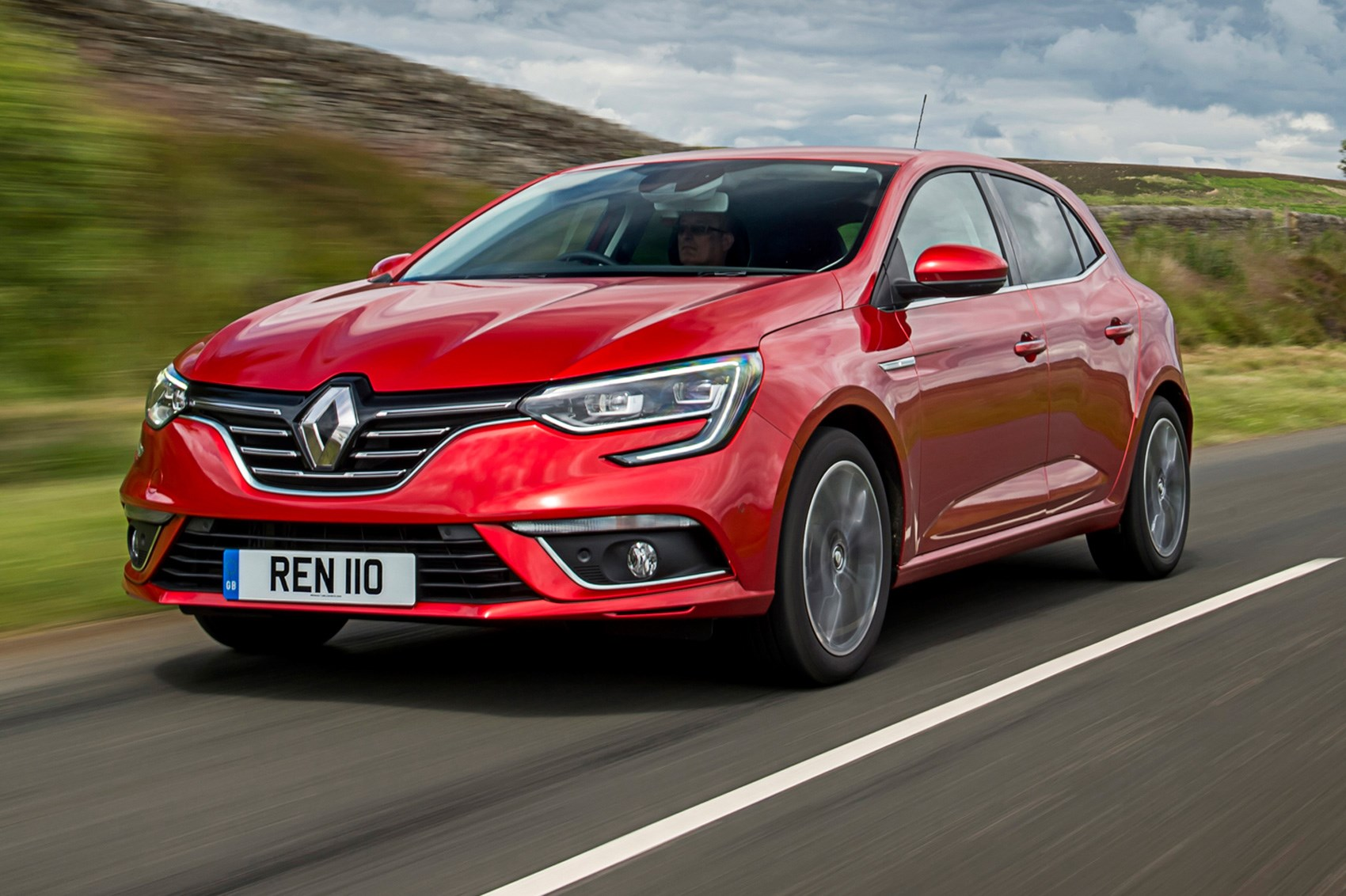 Renault Megane dCi 110 (2017) review | CAR Magazine