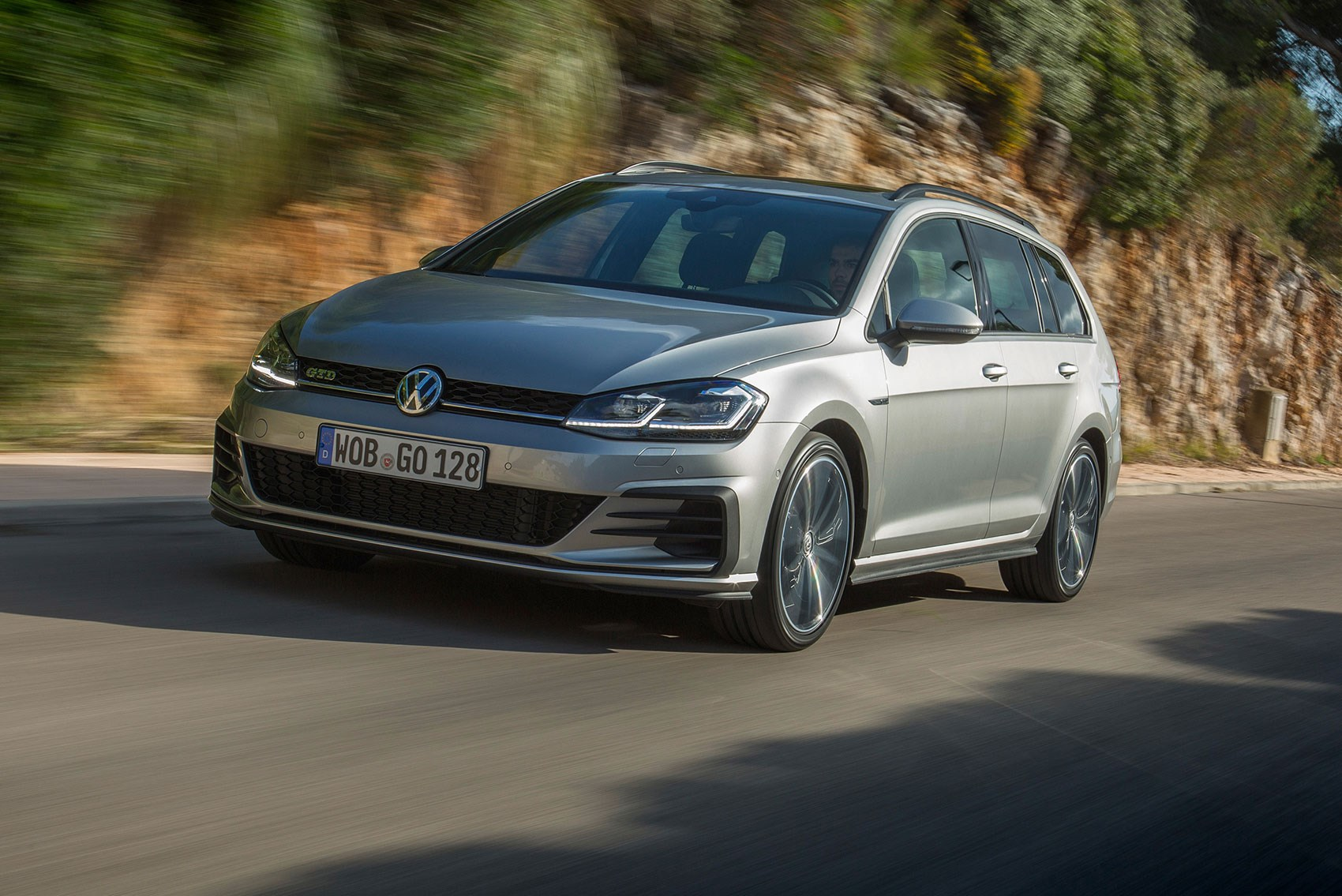 Vw Golf Gtd Estate 2017 Review Car Magazine