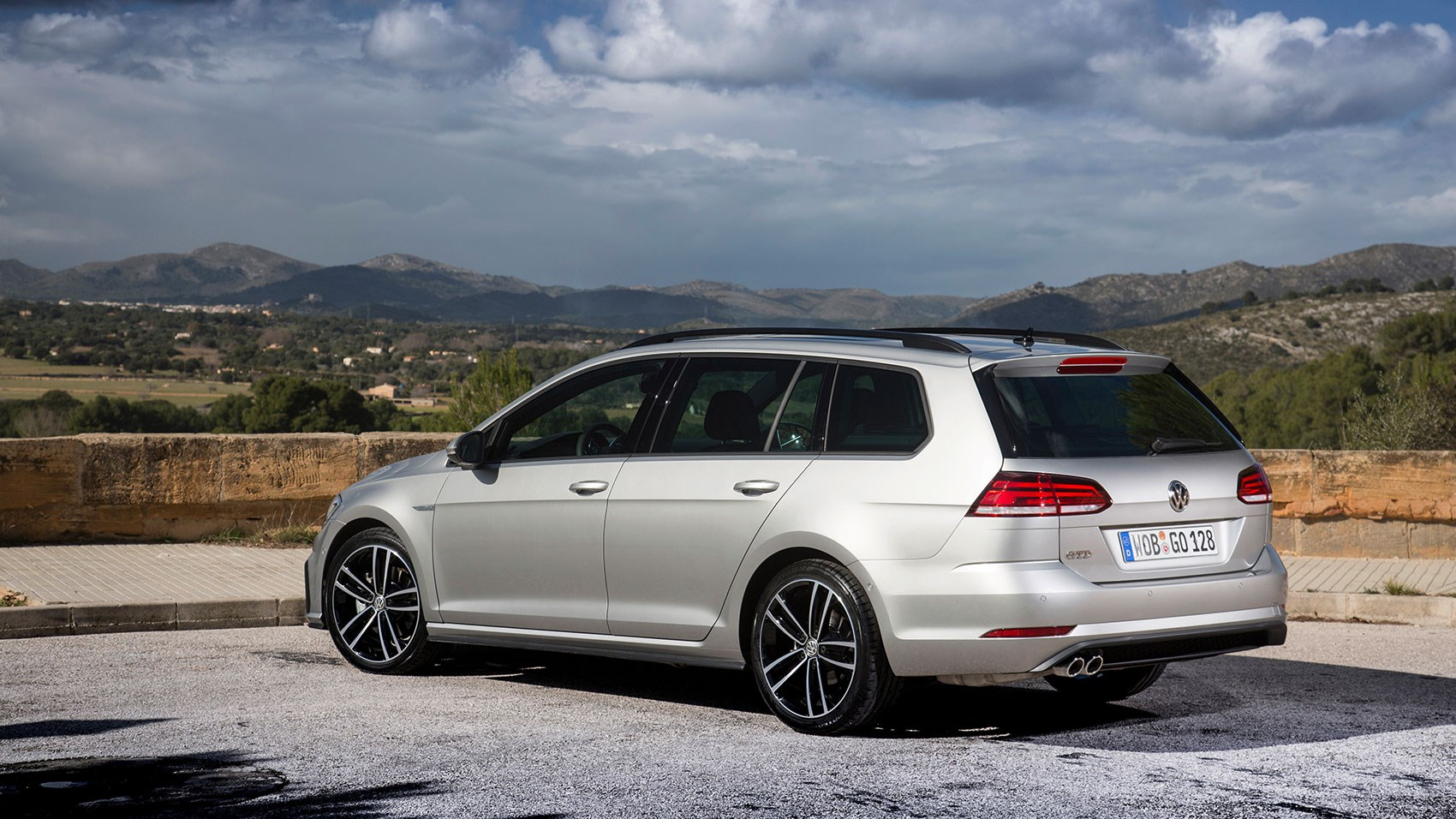 a more practical golf the new 2017 gtd