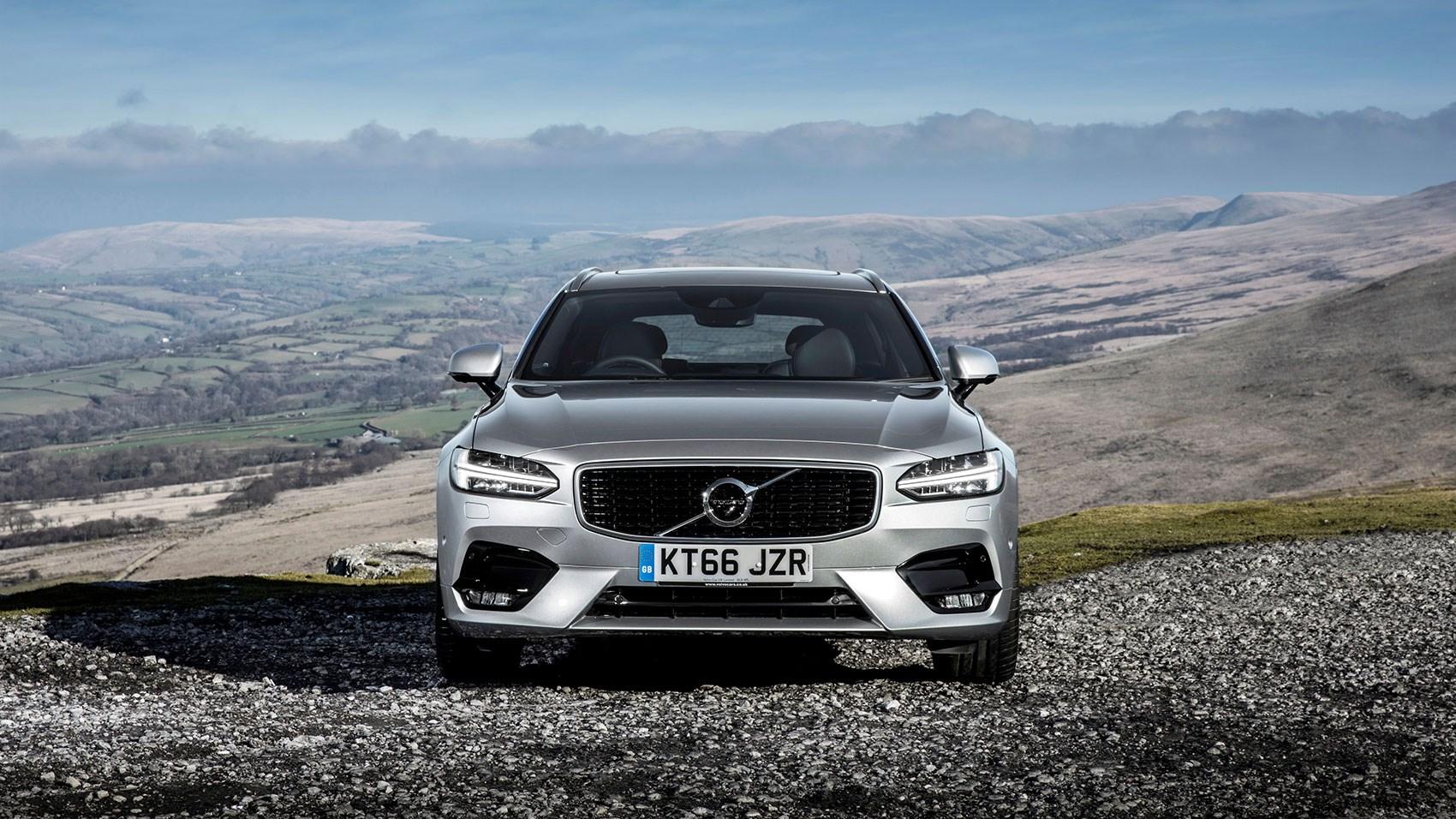 Volvos For Sale >> Volvo V90 D5 PowerPulse AWD R-Design (2017) review | CAR ...