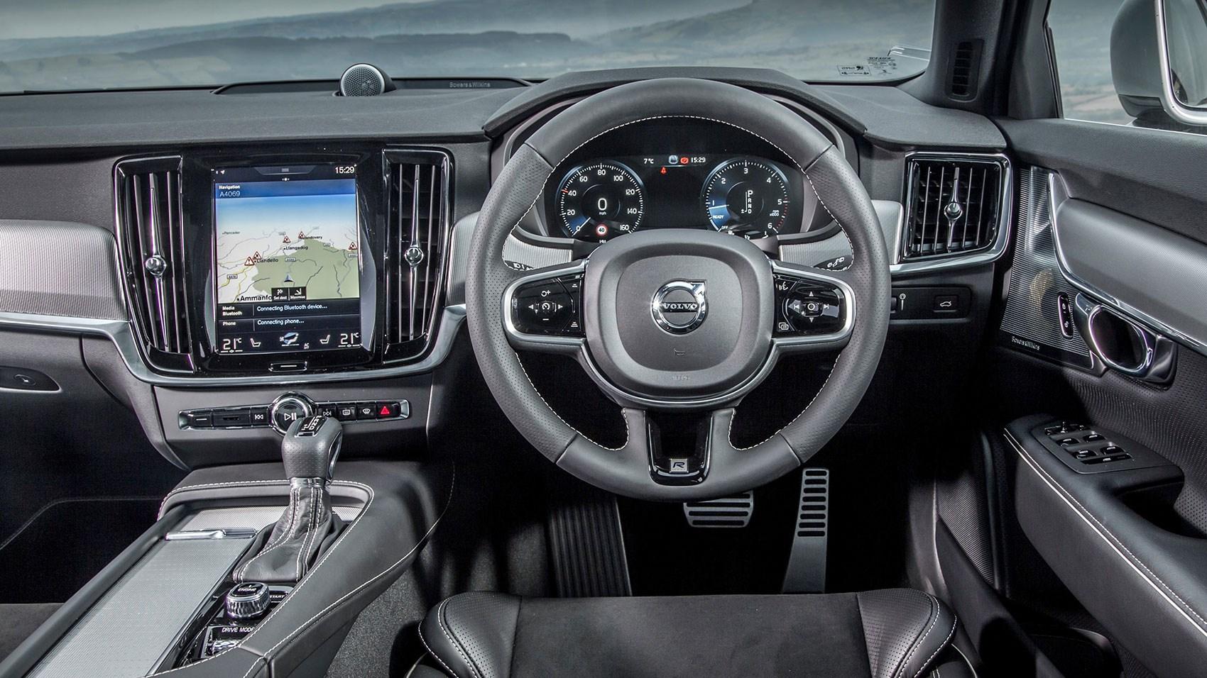 Volvo V90 cabin