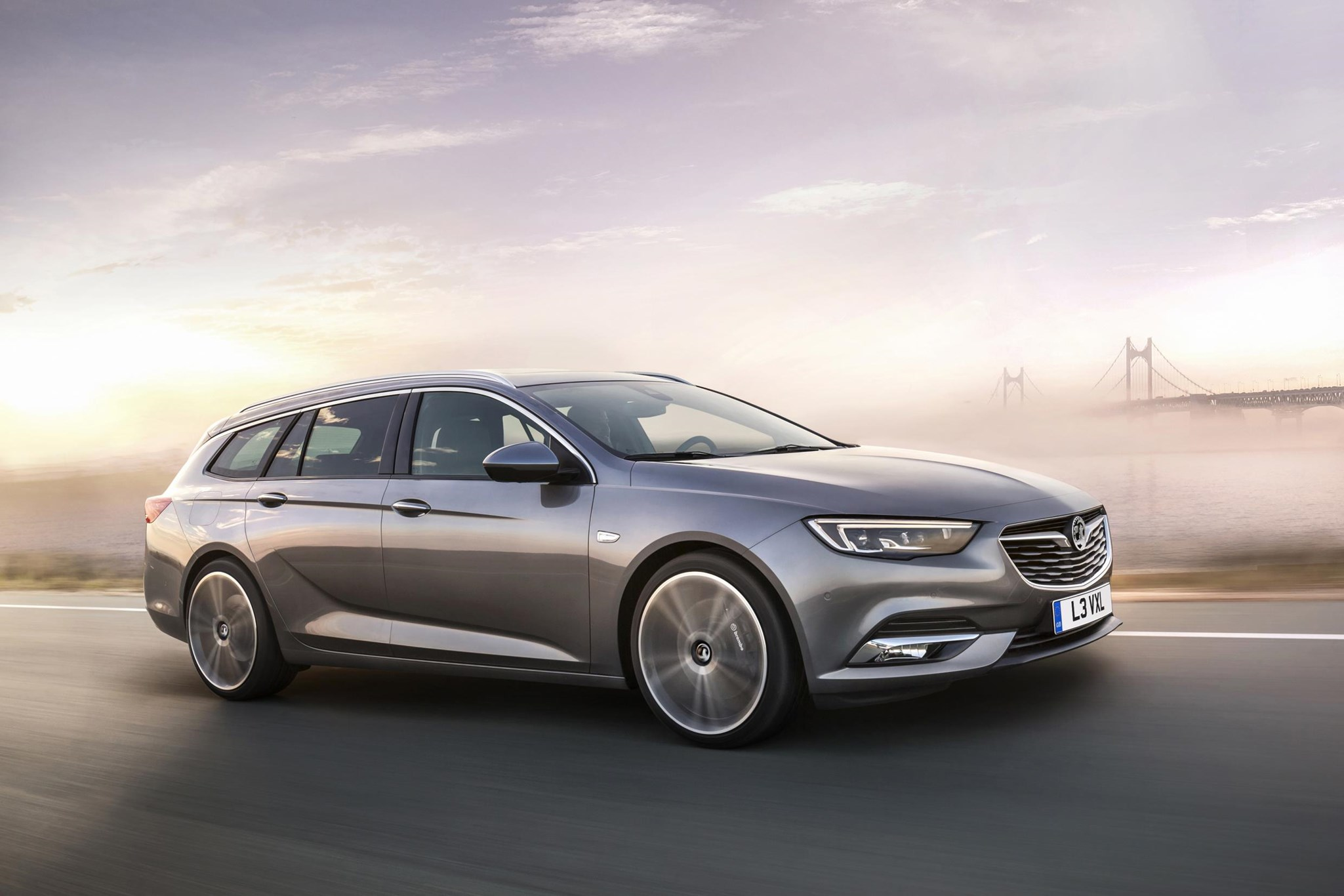 vauxhall insignia sports tourer meet the new 2017 insignia estate by car magazine. Black Bedroom Furniture Sets. Home Design Ideas
