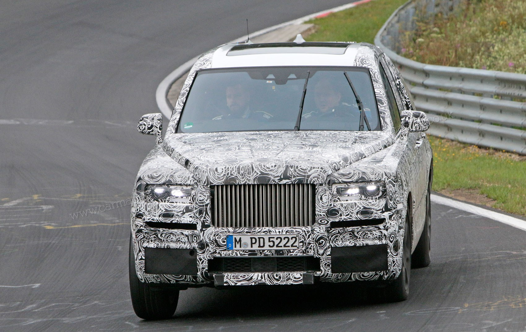 rolls royce cullinan suv closest look yet by car magazine. Black Bedroom Furniture Sets. Home Design Ideas