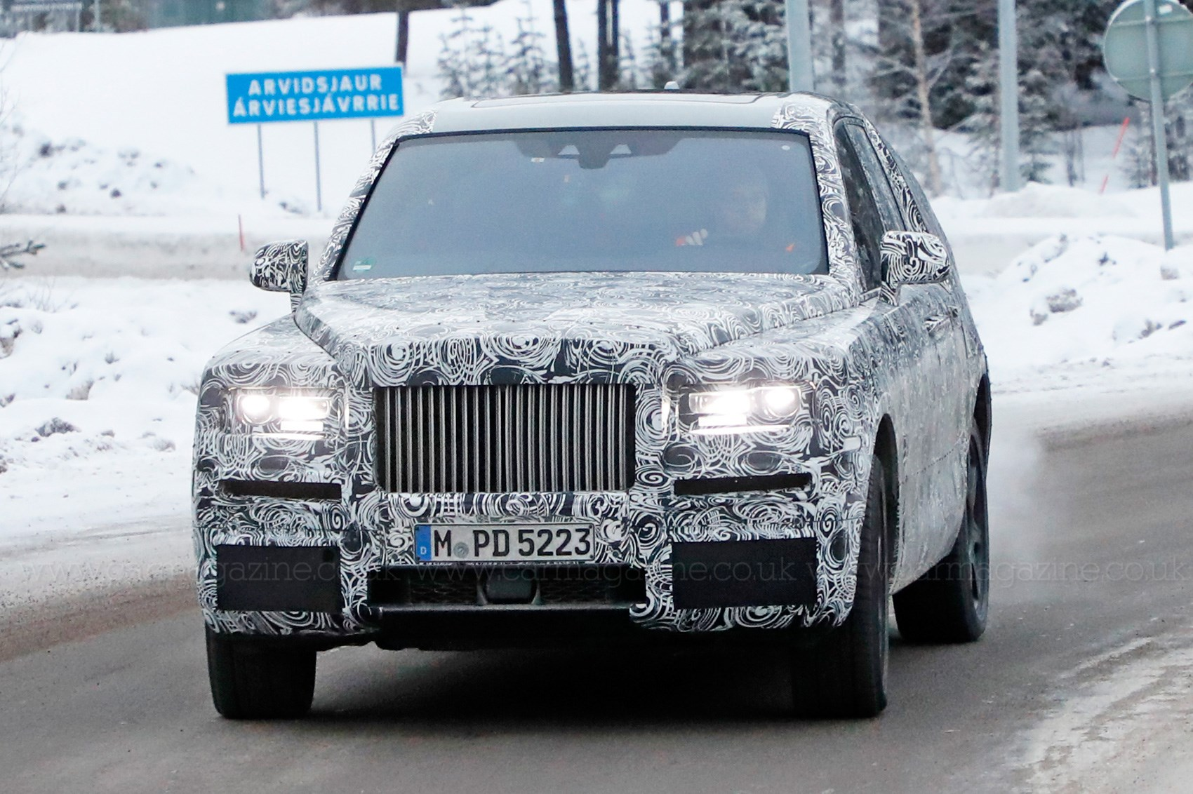 Rolls Royce Cullinan Suv Rear Seat Viewing Gallery Revealed
