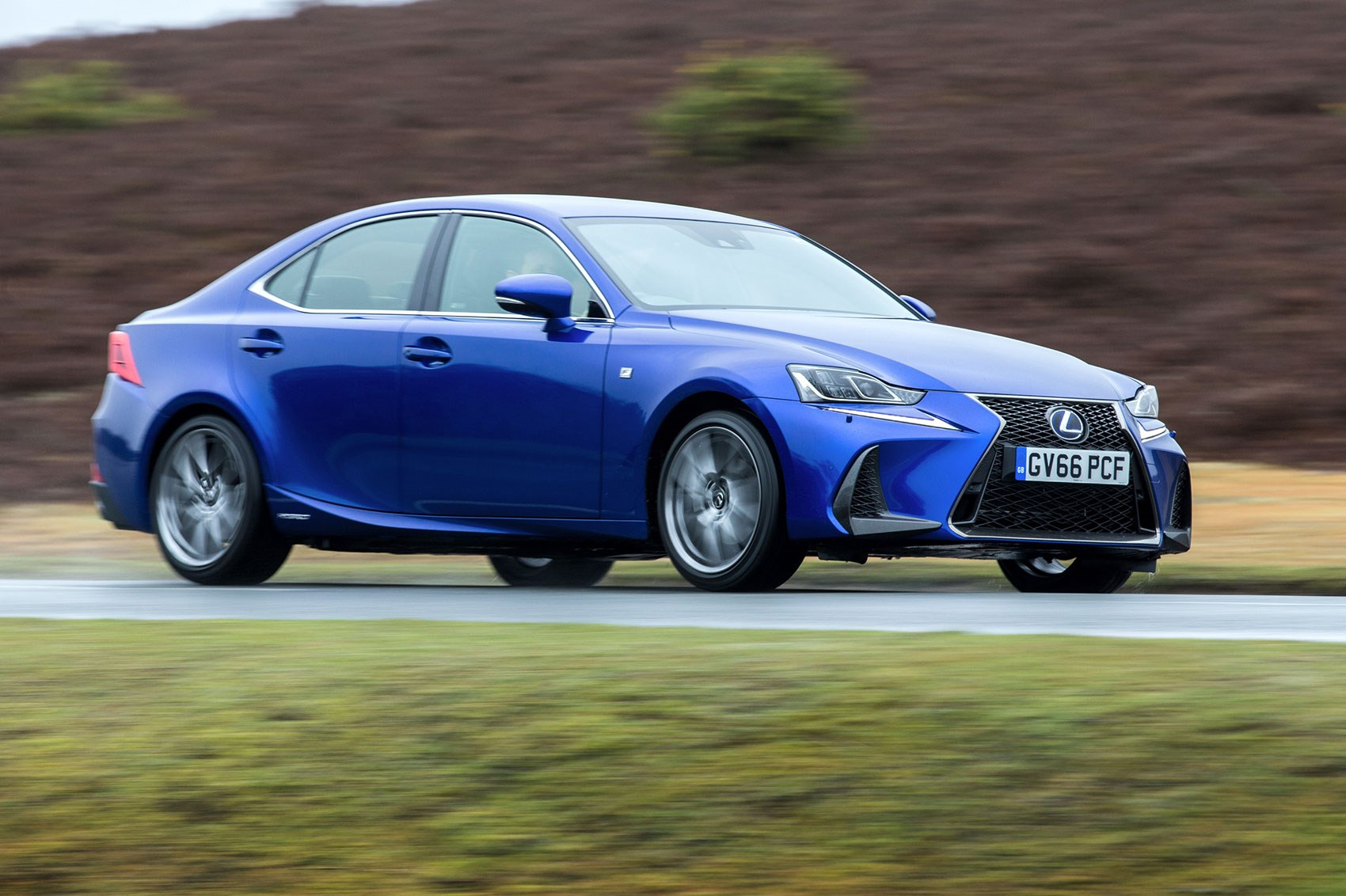 Lexus Is300h 2017 Review By Car Magazine