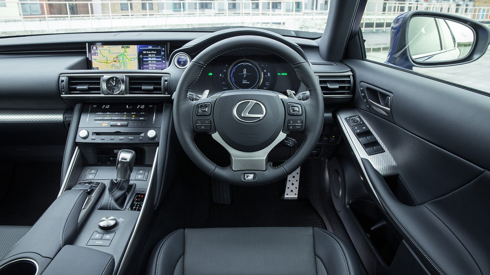 Lexus IS300h 2017 interior