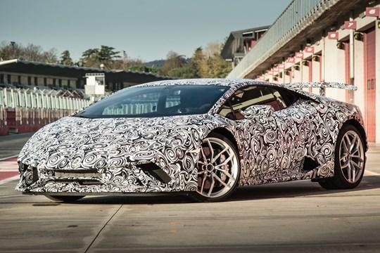 Lamborghini Huracan Performante (2017) Pre Production Car Review