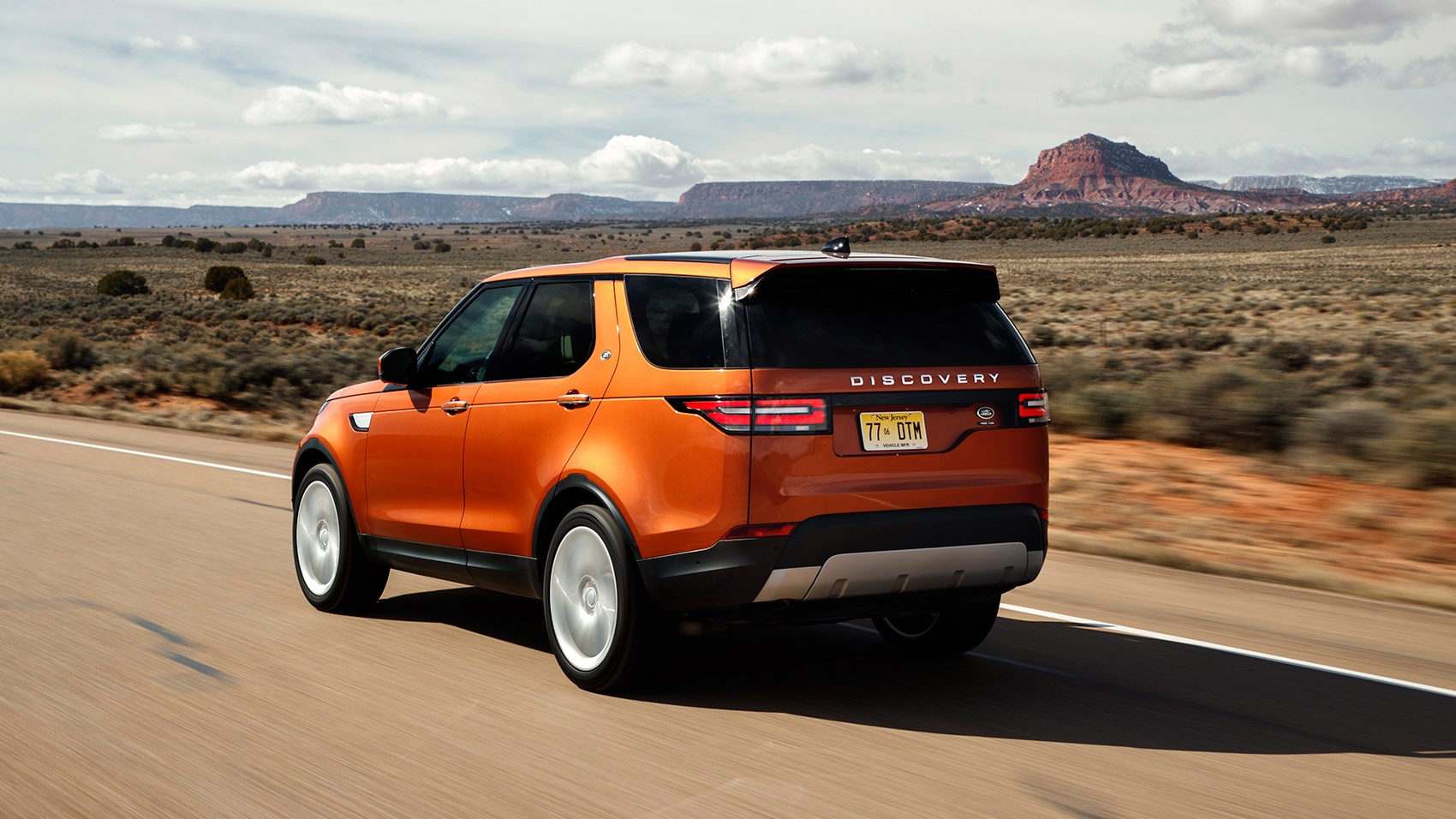 land rover discovery 2017 review by car magazine. Black Bedroom Furniture Sets. Home Design Ideas