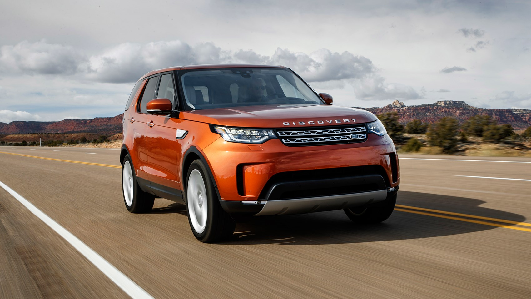 land rover discovery 2017 review car magazine. Black Bedroom Furniture Sets. Home Design Ideas