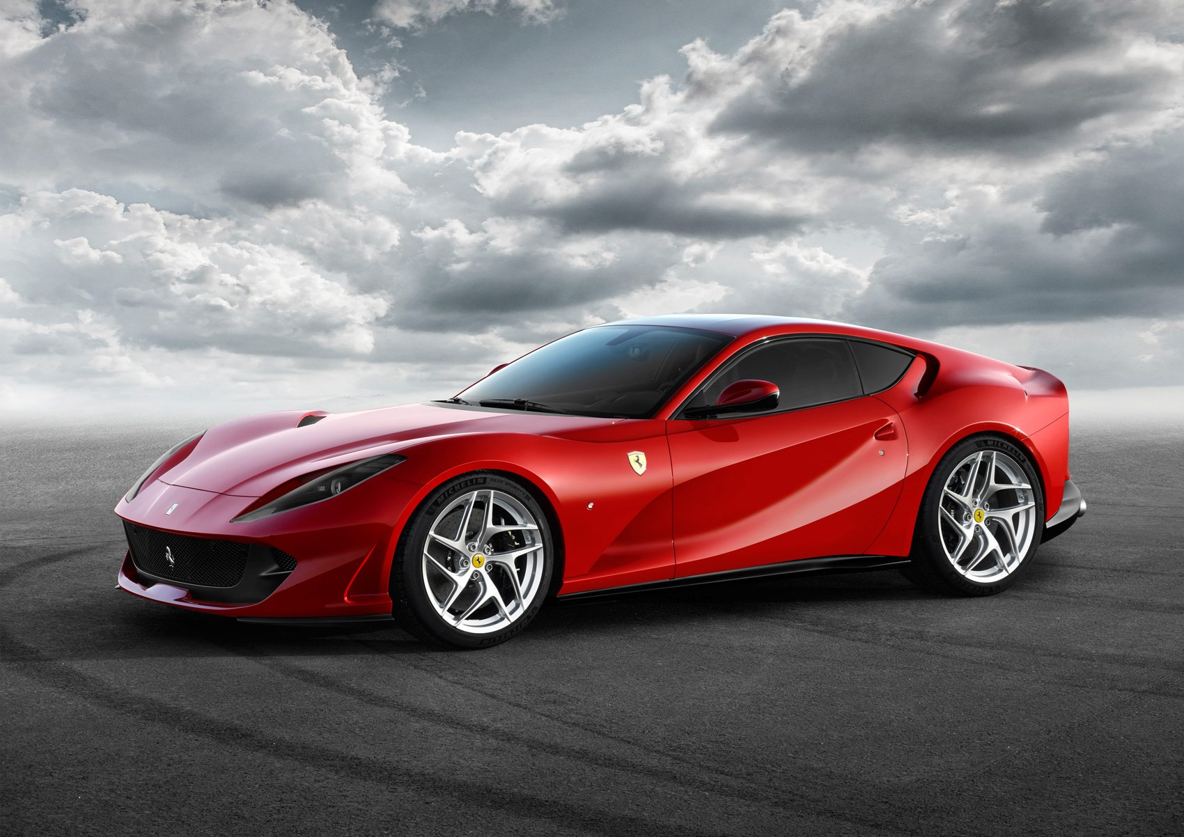 Ferrari 812 Superfast The New F12 Rolls Into Geneva By Car Magazine