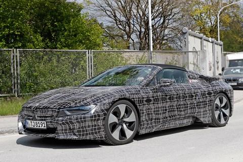 BMW i8 Roadster prototipi