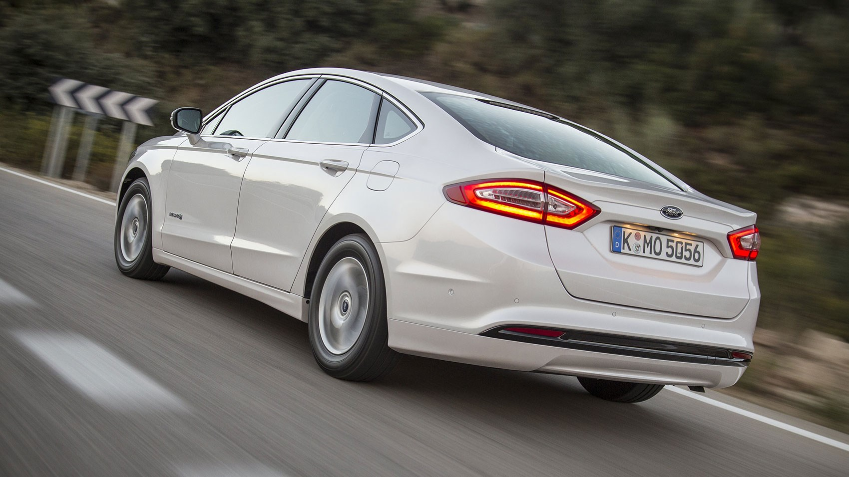 The CAR magazine Ford Mondeo Hybrid review