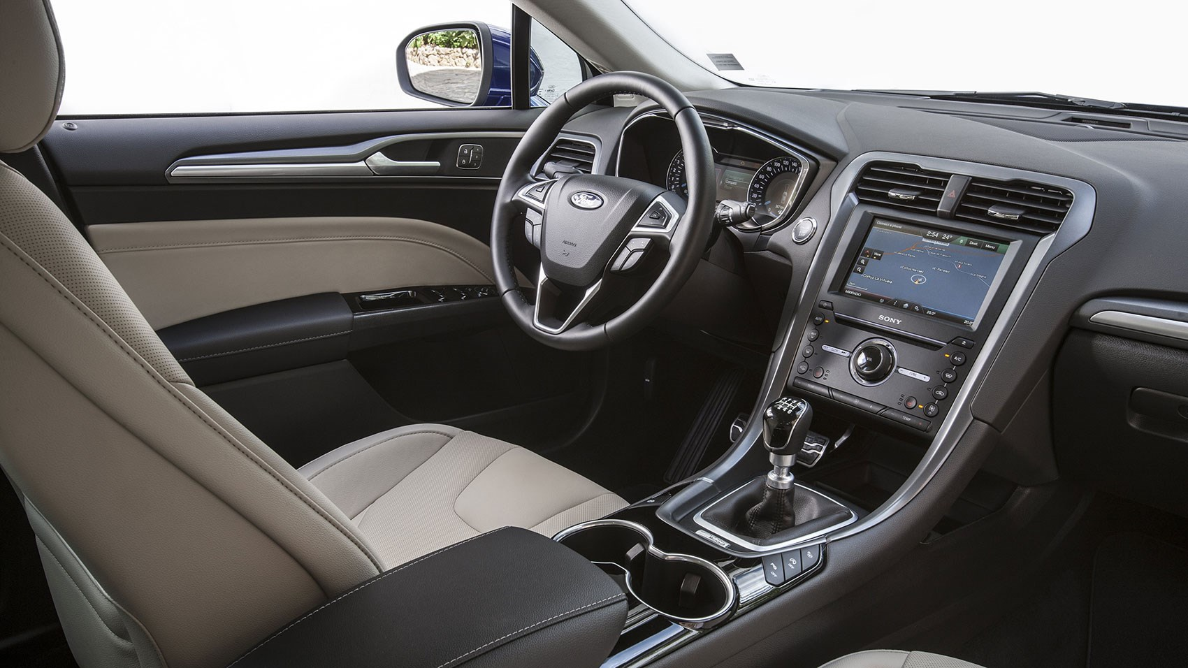 Ford Mondeo cabin