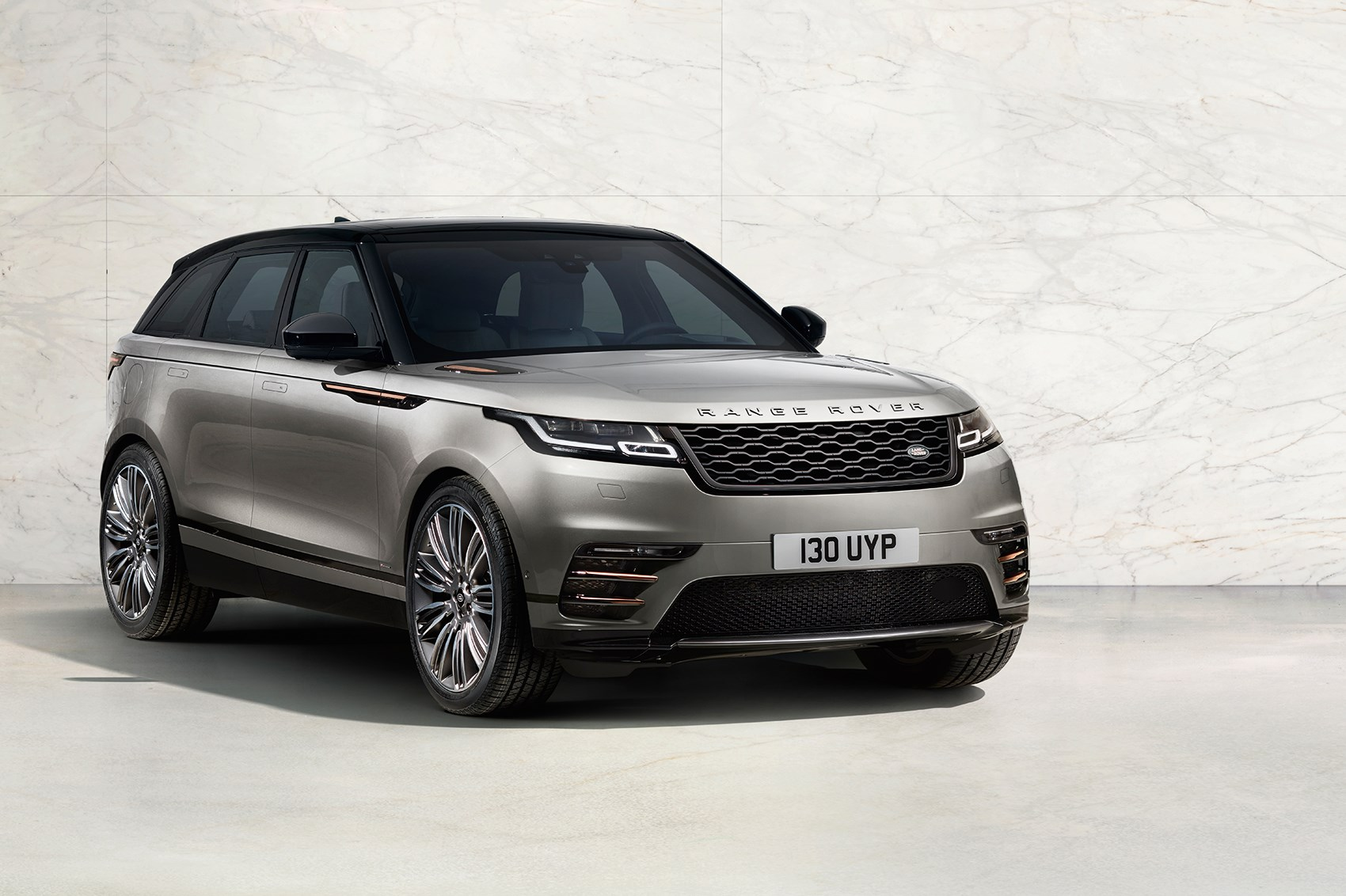 new range rover velar revealed in pictures car magazine. Black Bedroom Furniture Sets. Home Design Ideas