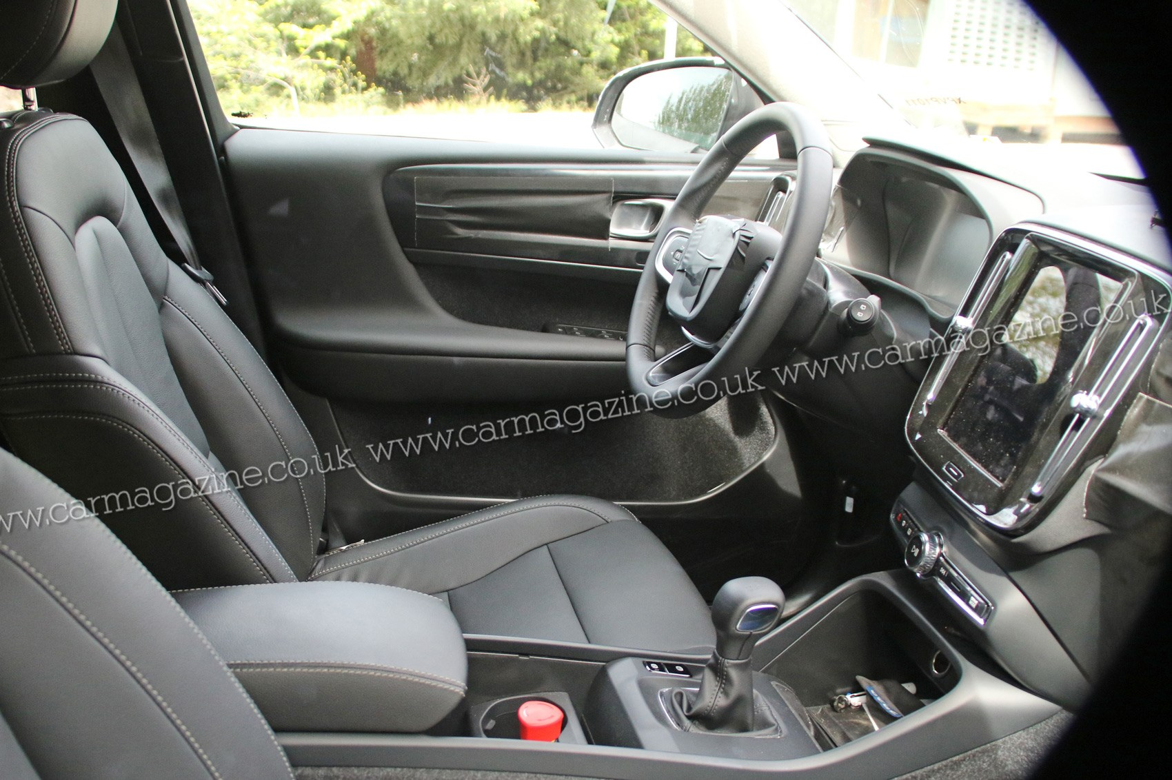 Captivating Volvo XC40 SUV Spied: First Peek At New Crossoveru0027s Interior ...
