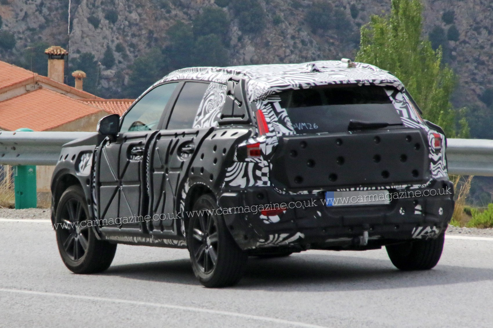 Volvo Xc40 Suv Spied First Peek At New Crossover S