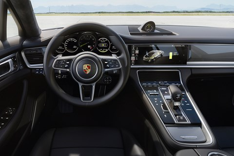 Porsche Panamera Turbo S PHEV