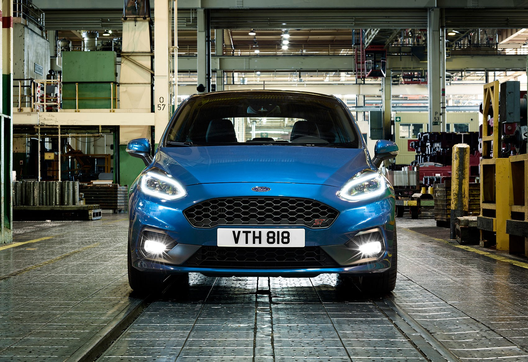 New Ford Fiesta ST plays exhaust notes through Bang & Olufsen sound system